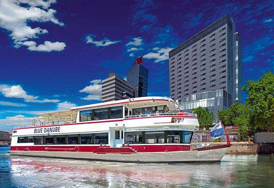 Schiffsrundfahrten Blue Danube